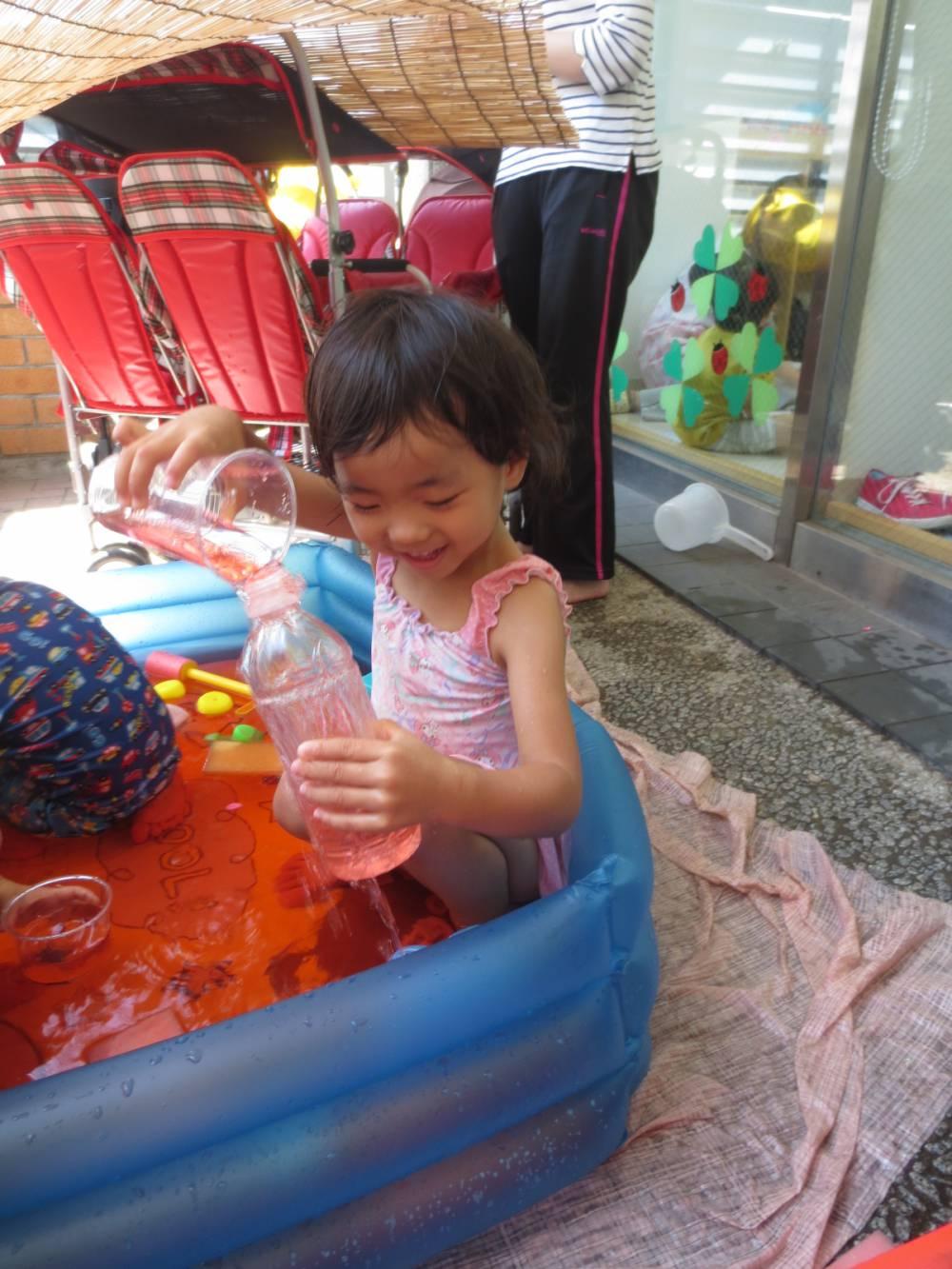 色水遊び楽しいね