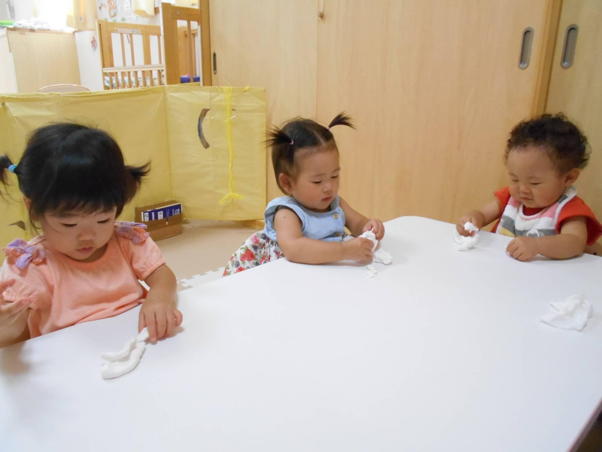 ひよこ組🐣米粉粘土遊び